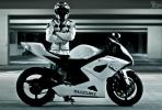 性能机器对抗 GT-R VS铃木GSX-R1000